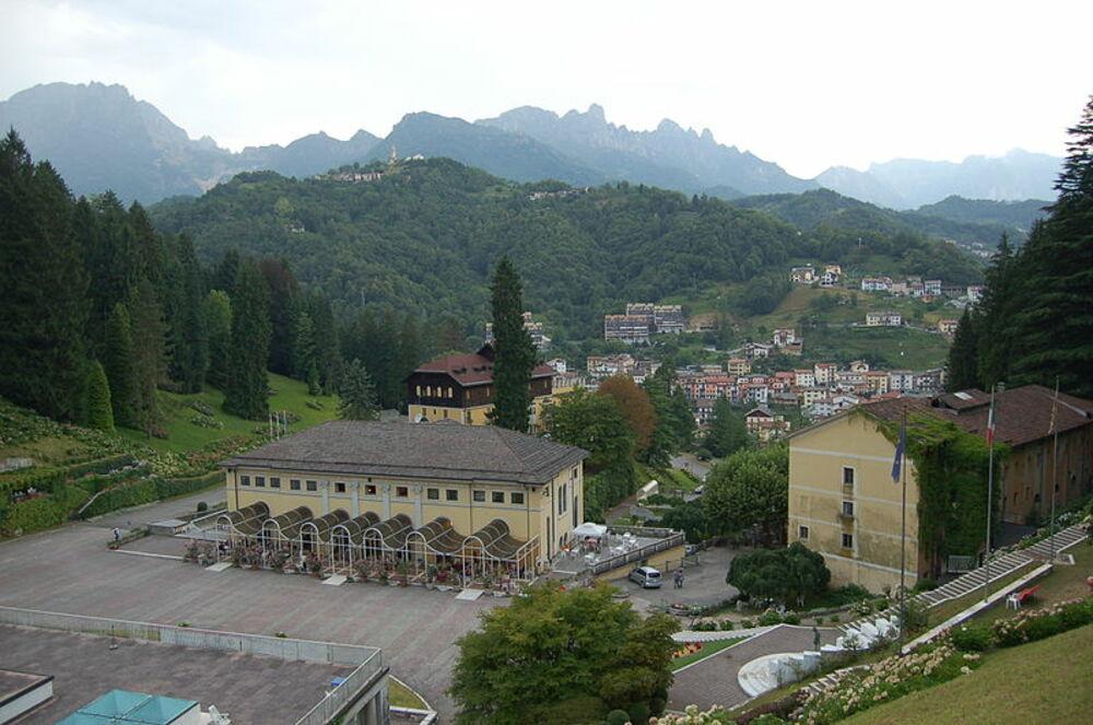Veneto - Recoaro e dintorni: grandi Alberi e cime impetuose